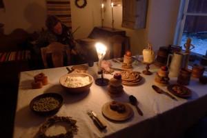 Julbordet anno 1790 Bengt spelar i bakgrunden